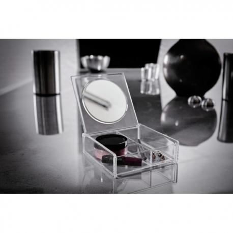 Kosmeetikakarp peegliga